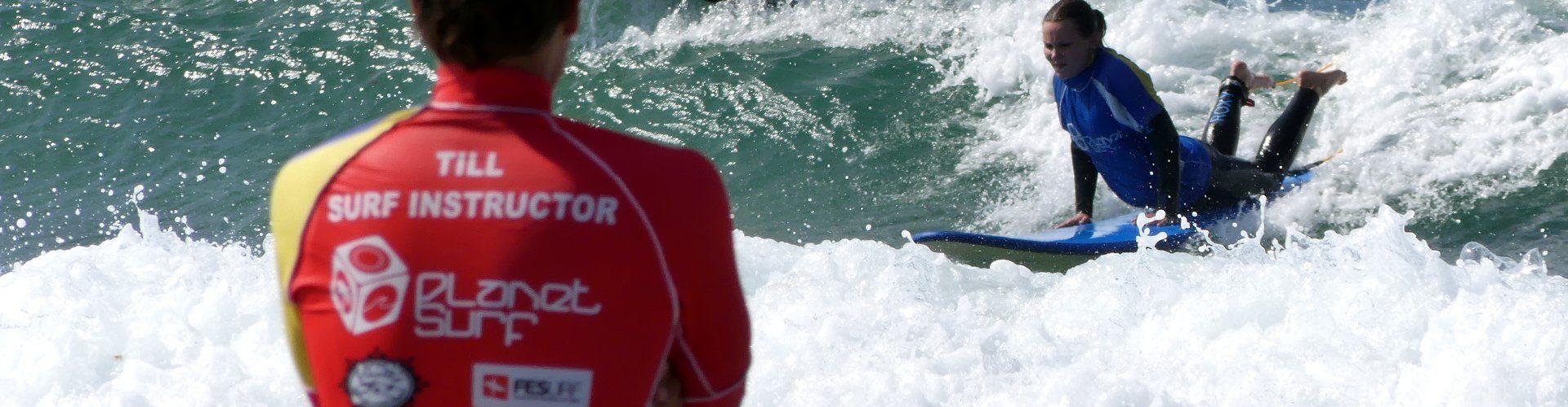 Práctica de surf en Cantabria