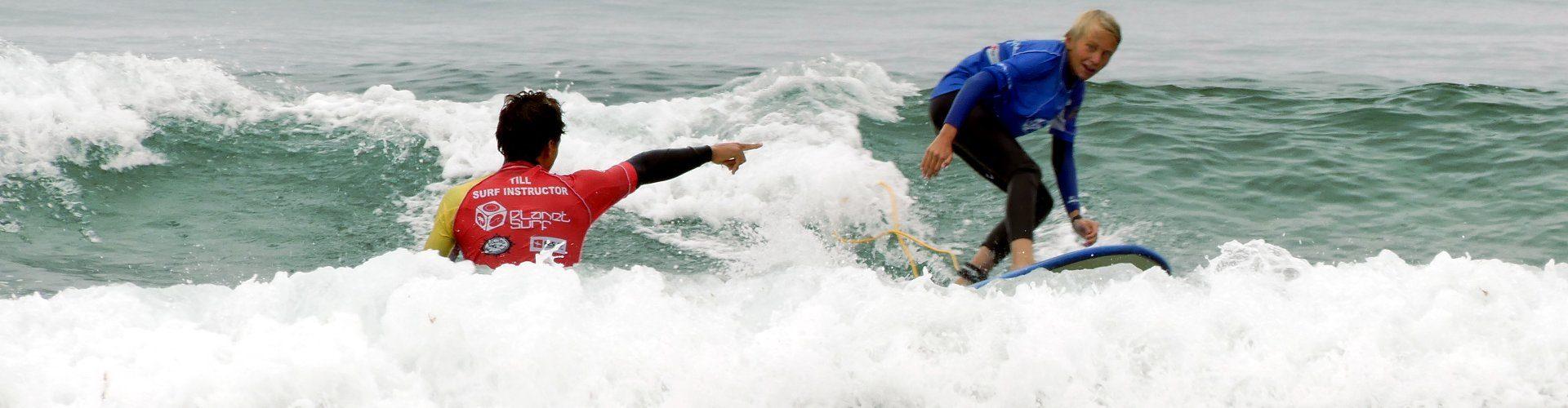 Escuela de surf junior en Cantabria