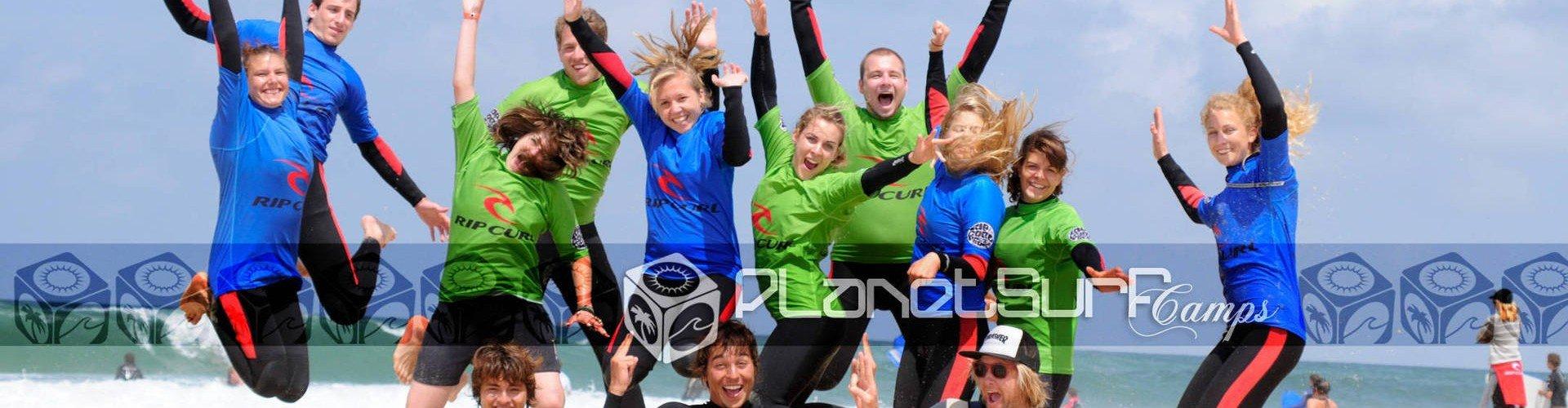 gente estupenda en el surf spot de Francia