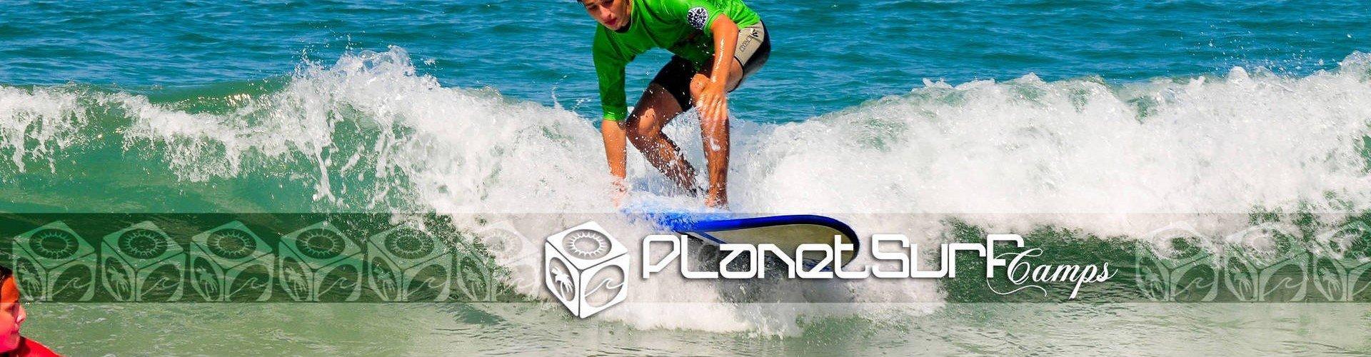 aprendiendo a ponerse de pie en la tabla de surf